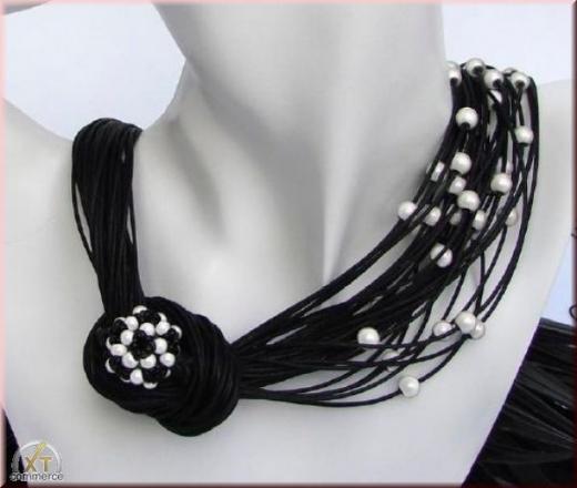 Pracht - Blütenkette Black & White (Download)