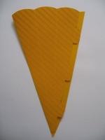 Schultüte aus 3D Wellkarton 69cm gelb