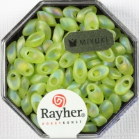 Magatama Perlen 4x7mm transp. frost Rainbow apfelgrün