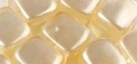 Rayher Glasperle Würfel 8x9mm elfenbein